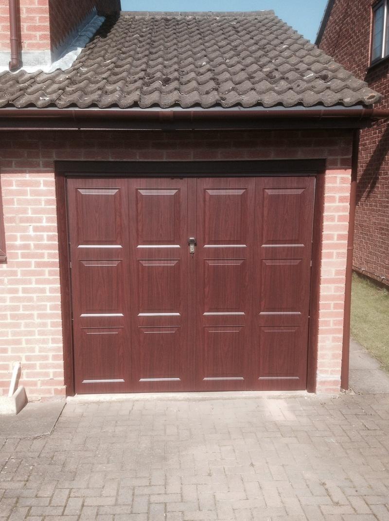 Garage doors in disguise the timber effect elite gd 3c rubansaba