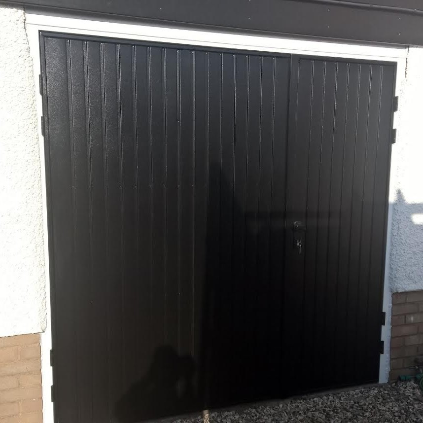 Side hinged garage door in broadway worcestershire elite gd for Garage side entry door