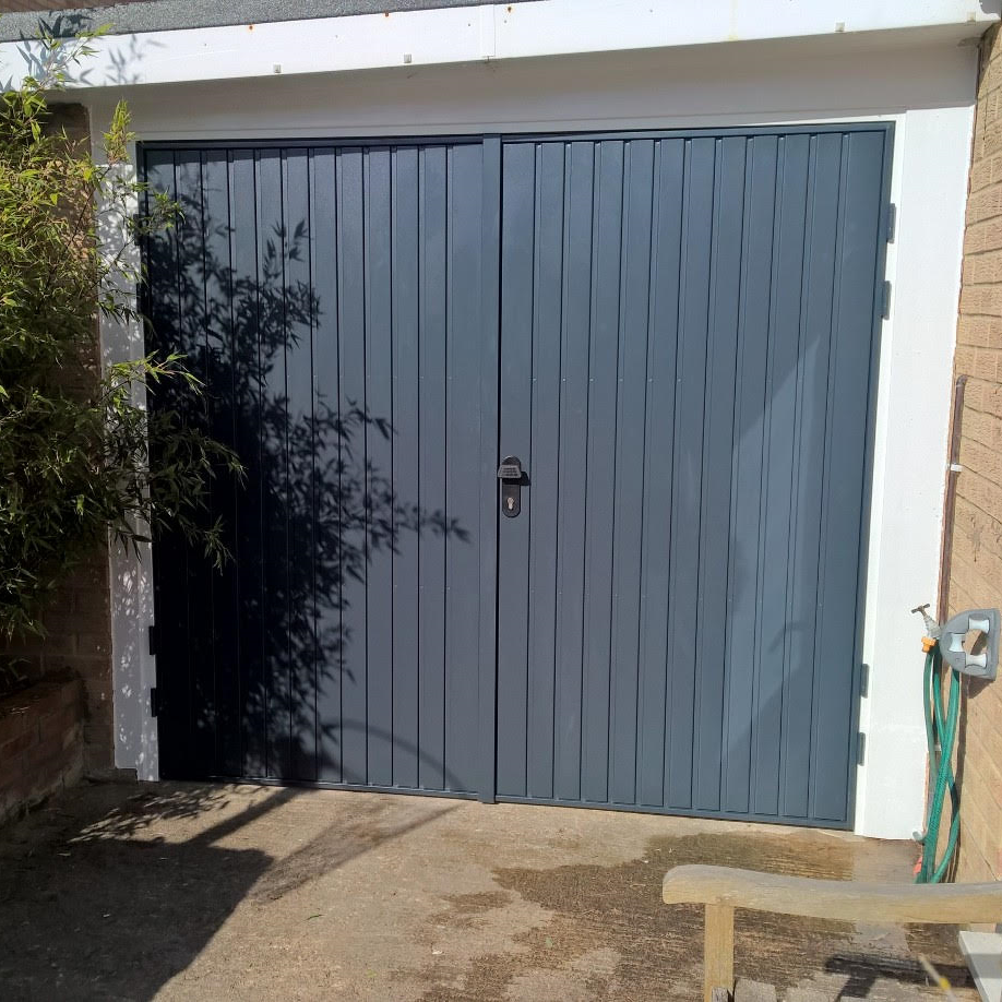 Side Hinged Garage Door In Southmoor Oxfordshire Elite Gd