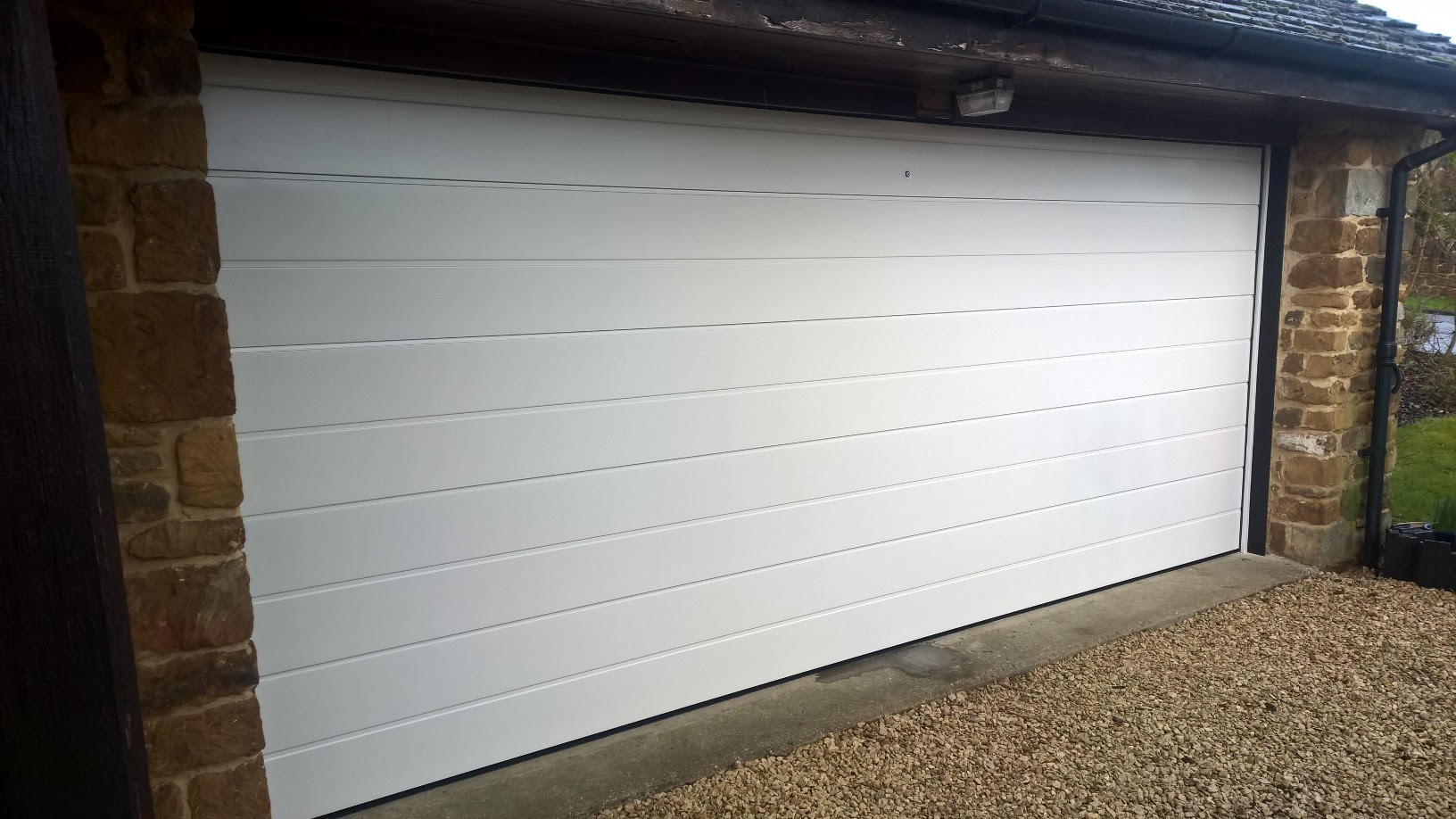 Large rib sectional in ral 9001 elite gd for Oversized garage door