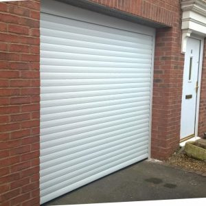 garage door to car port